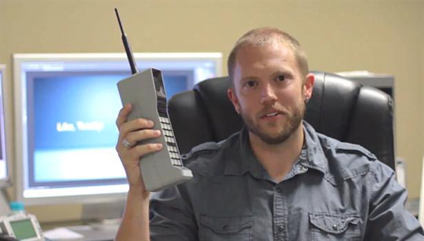 Ouderwetse mobiele telefoon met Bluetooth