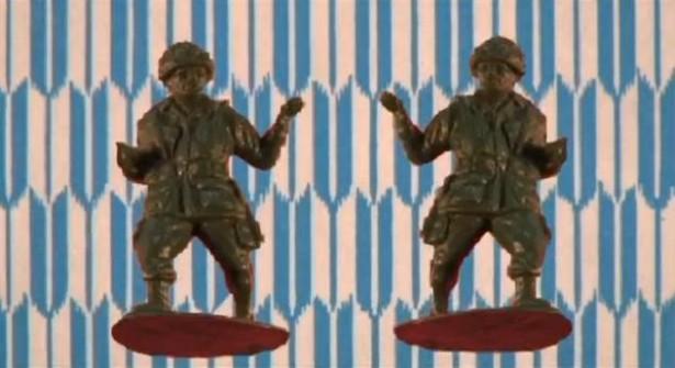 Stop-motion: dansende speelgoedsoldaatjes