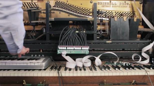 Piano doet verzoeknummers via Twitter