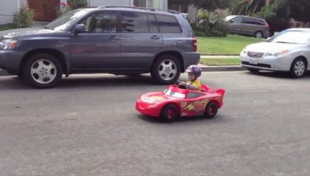 Vader Bouwt Speelgoedauto Om Tot Echte Auto Freshgadgets Nl