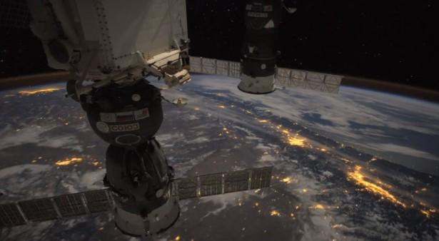 Dit ziet een astronaut vanuit het ISS