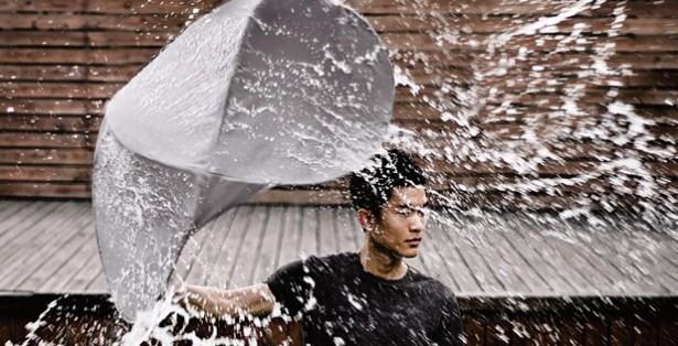Deze paraplu houdt niet alleen je hoofd droog