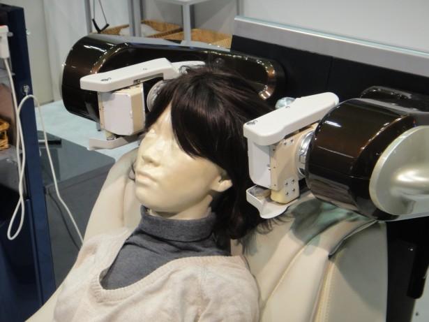 Robot geeft hoofdmassages