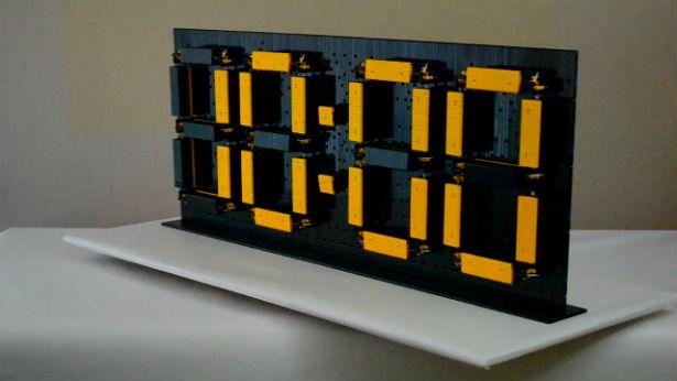 Deze wekker van Lego houdt je 's nachts wakker