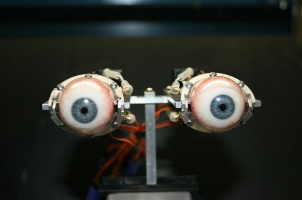 Hyperrealistische robot-ogen