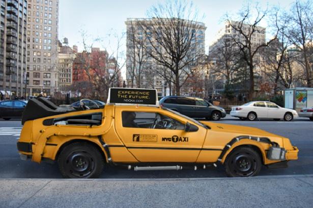 DeLorean taxi gaat terug in de tijd