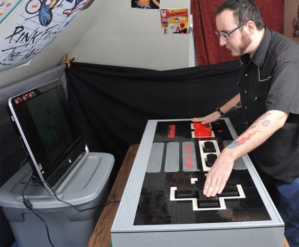 Een werkende NES-controller van Lego