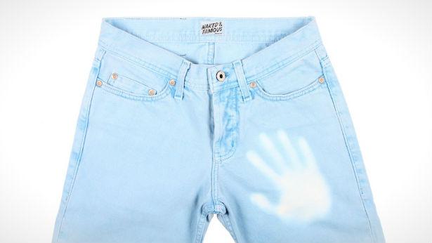 Termochromische jeans veranderen van kleur