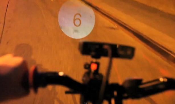 Deze fiets projecteert zijn snelheid op de weg