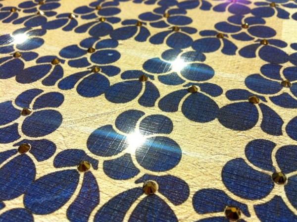 Behang met ingebouwde verlichting