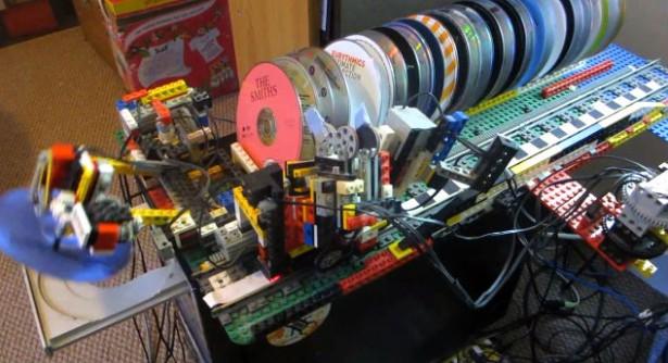 Een cd-wisselaar van LEGO