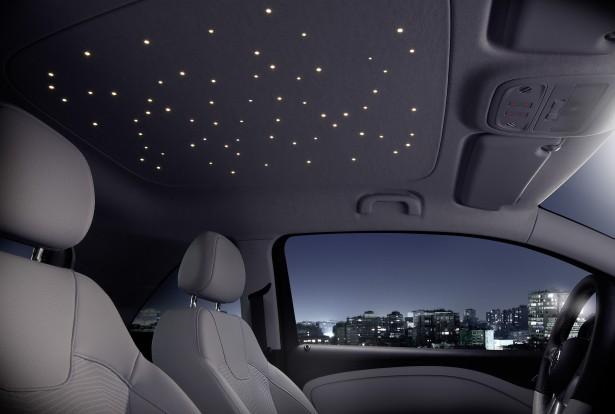 Auto met sterrenhemel
