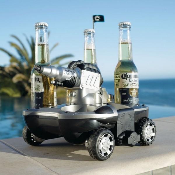 Electric Amphibious Vehicle: varen, bier halen en mensen natspuiten