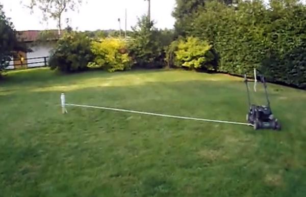 Zo maak je een automatische grasmaaier van je ouderwetse model