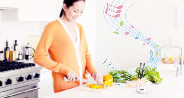Music Yue zet herrie om in fijne tonen