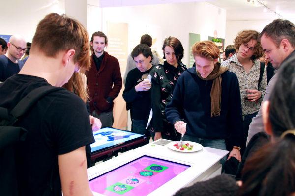pixelate-interactieve-tafel-eten2