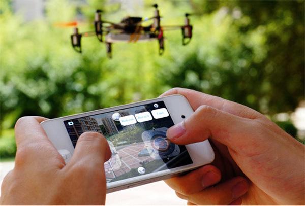 Hex: een betaalbare drone die je bestuurt met je smartphone