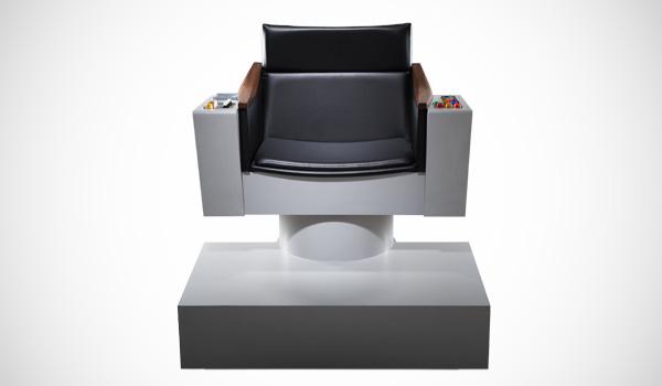 captain-kirk-star-trek-stoel