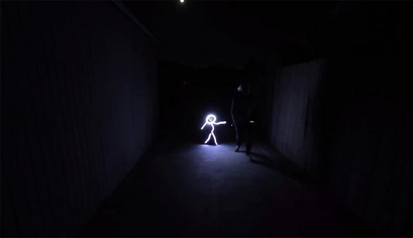 Geniaal Halloweenkostuum verandert kinderen in stokfiguren