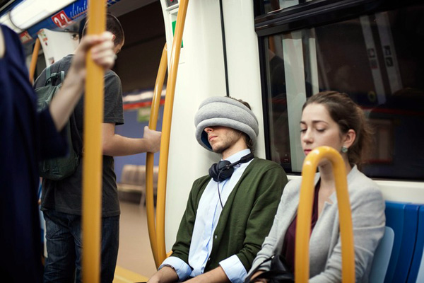Ostrich Pillow Light: voor de die-hard powernappers