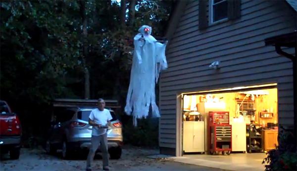 Bezorg de buurt slapeloze nachten met dit quadrotor-spook