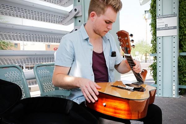 fender-cd-60va-opvouwbare-gitaar2