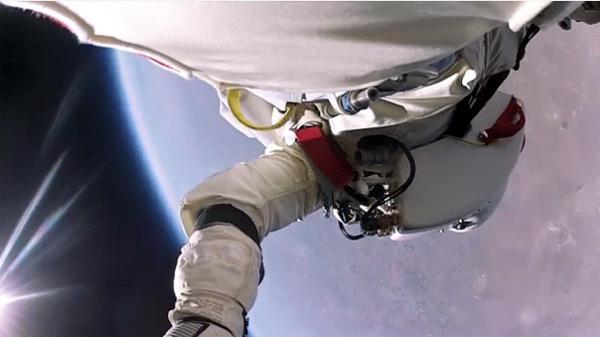 De beste beelden van Felix Baumgartner's sprong vanuit de ruimte