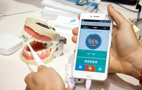 Kolibree: een tandenborstel die je tandarts werkloos maakt