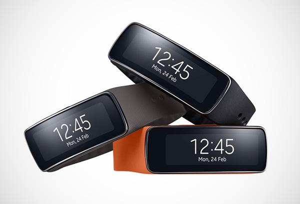 Samsung Gear Fit: de smartwatch die slimme horloges populair gaat maken?