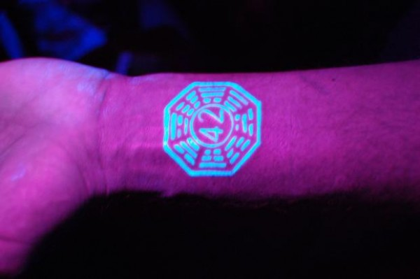 blacklight-tattoos2