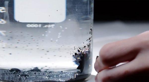 De wereld van ferrofluids in 1,5 minuut