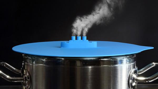 De leukste manier om een pan met kokend water af te dekken