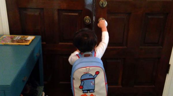 Kind met superkrachten gaat naar school