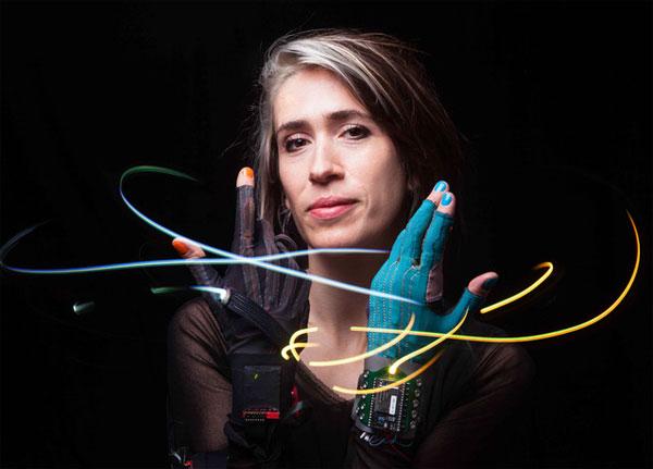 De muzikale handschoenen van Imogen Heap