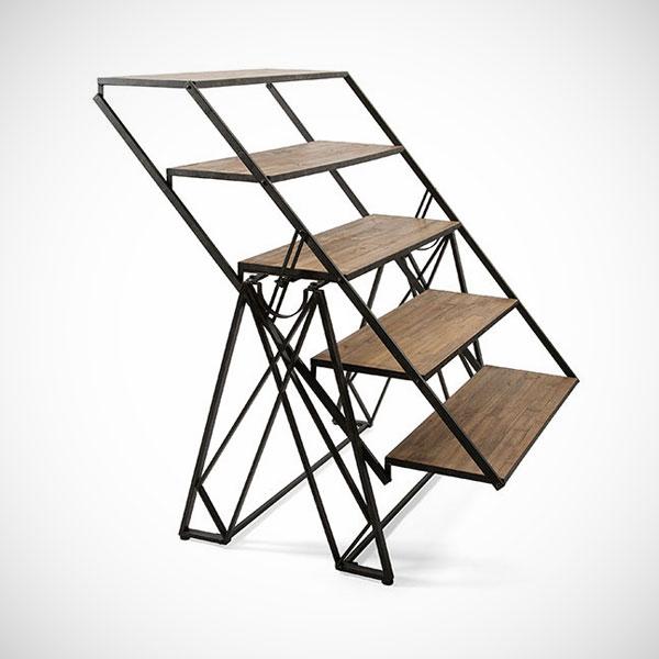 Tafel, trap en boekenkast in één