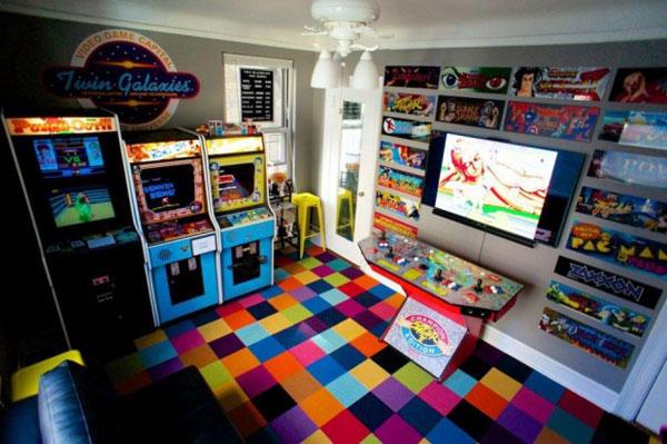 Amerikaan bouwt slaapkamer om tot arcadehal, verliest zijn verloofde