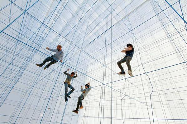 String Prototype: tussen klimrek en kunstwerk
