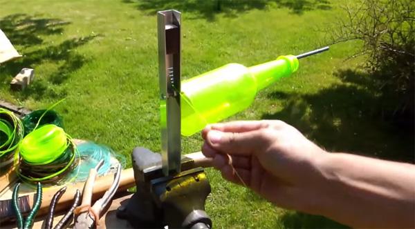 Verbazingwekkend Dit simpele apparaatje maakt touw van plastic flessen WP-49