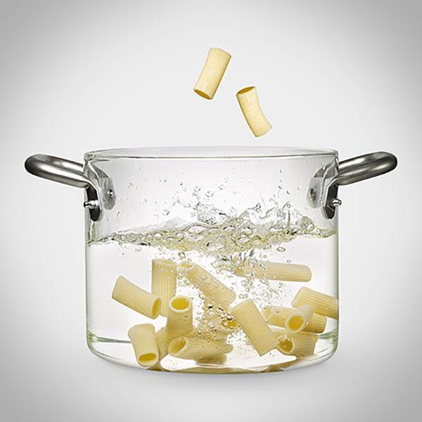 Met deze schitterende doorzichtige pan zie je hoe jouw eten kookt