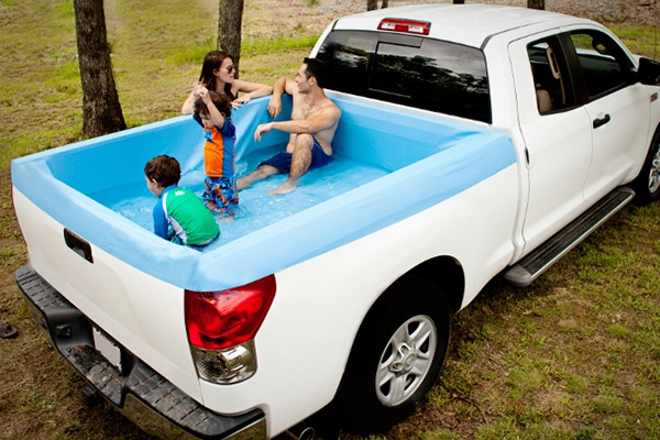 Pick-up Pools: tover een pick-up truck om in een zwembad