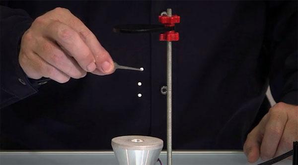 Ultrasonic Levitation Machine: laat objecten zweven met geluid