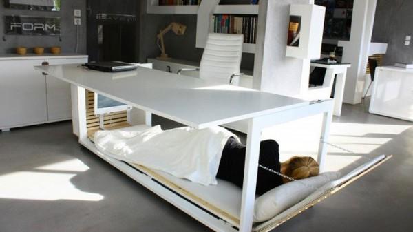 Een tukje doen op het werk? Geen punt met het Work Desk Bed