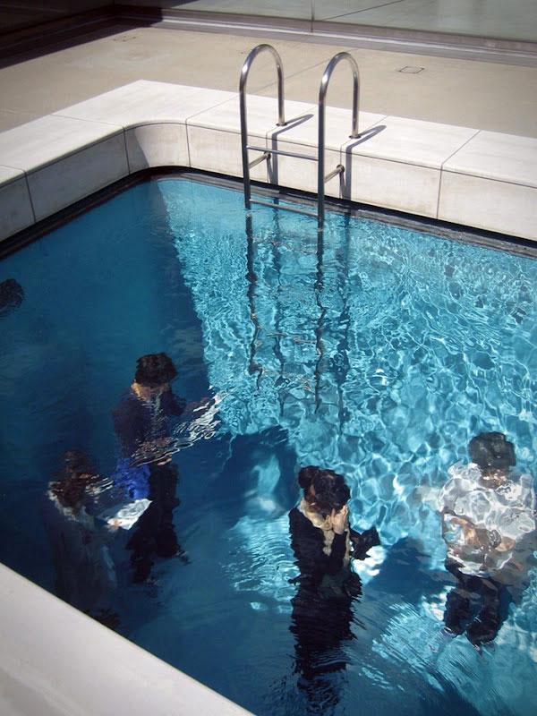 Dit zwembad herbergt een briljante optische illusie