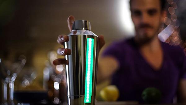 Met de B4RM4N kan iedereen perfecte cocktails maken