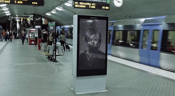 Deze interactieve reclame vraagt op een geweldige manier aandacht voor kanker