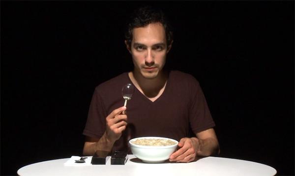 Magnifying Spoon: de combinatie van een lepel en een vergrootglas