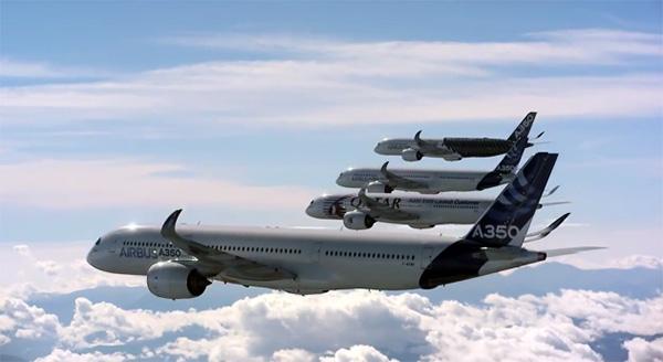 Formatievliegen met vijf gigantische vliegtuigen van Airbus