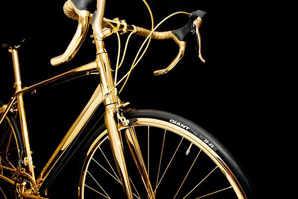 Deze waanzinnige fiets is bijna volledig gemaakt van goud
