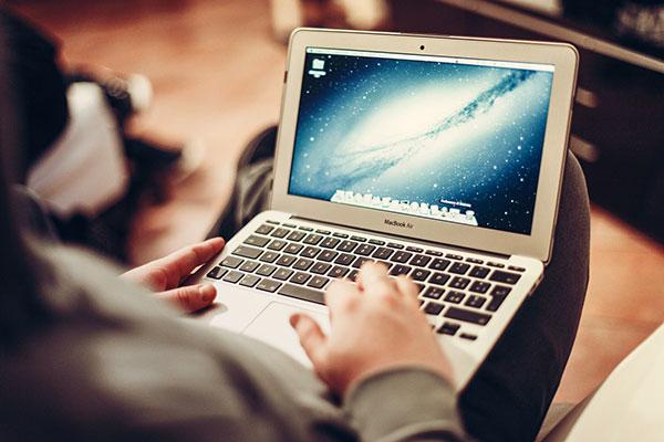 Pas op: zo makkelijk is het om via USB een MacBook te hacken