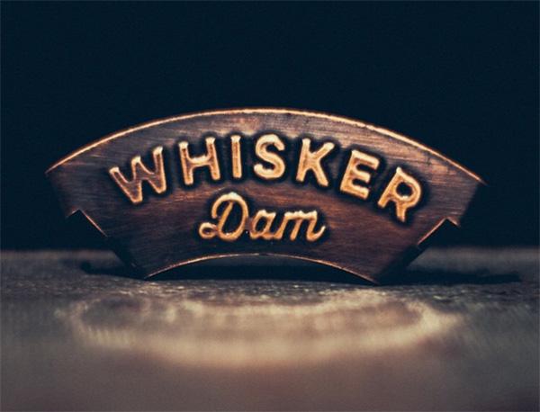 whisker-dam-snor-drinken2